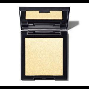 Morphe Makeup - Morphe Highlighter. ✨